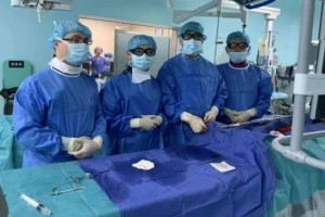 碘造影剂过敏者的福音!薛冠华团队实施首例无造影剂下腹主动脉夹层动脉瘤腔内隔绝术
