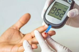 血糖不稳手知道手上若有这4种症状血糖或已超标及时检查