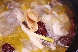 吃黄瓜要不要剥皮煲汤多长时间最养分厨房养分误区请你重视
