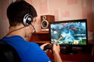 戴耳机玩游戏致失聪你的耳朵远没有幻想中的刚强